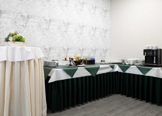 equitana-hotel-resort_salonek-billiard-club-2