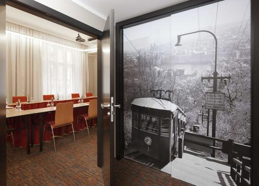clarion-hotel-prague-old-town_meeting-room-bohemia-3
