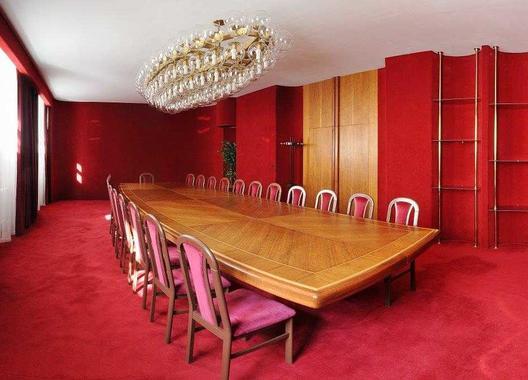 hotel-vz-merin_cerveny-salonek-4