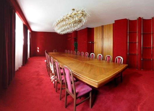 hotel-vz-merin_cerveny-salonek-10