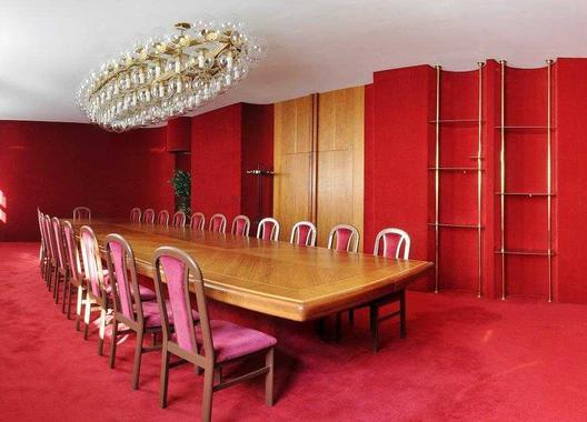 hotel-vz-merin_cerveny-salonek-17