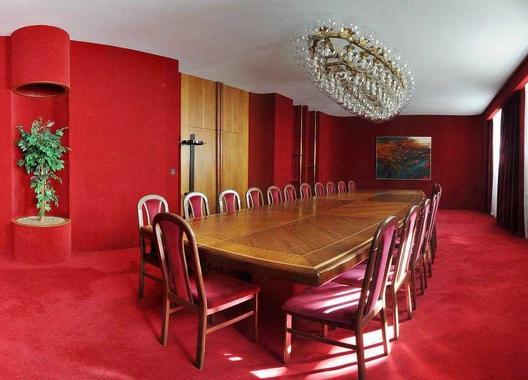 hotel-vz-merin_cerveny-salonek-6