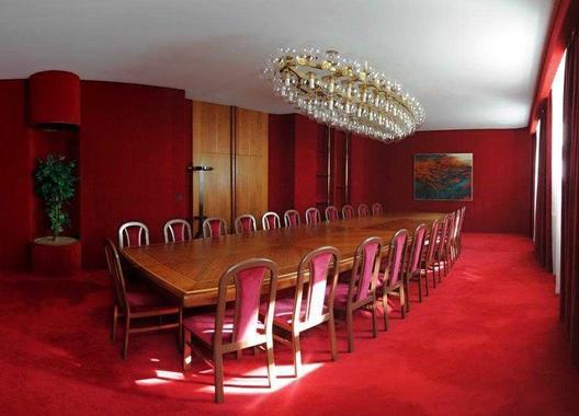 hotel-vz-merin_cerveny-salonek-18