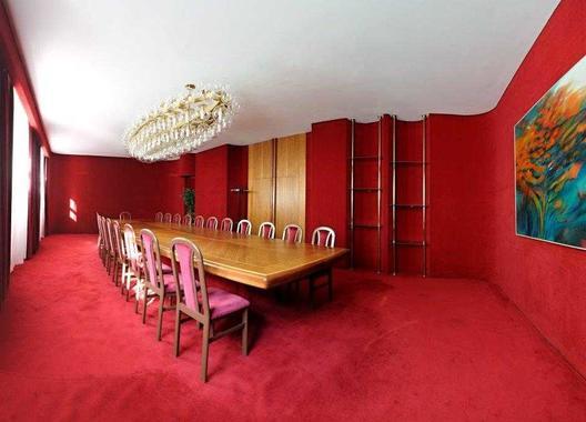 hotel-vz-merin_cerveny-salonek-16