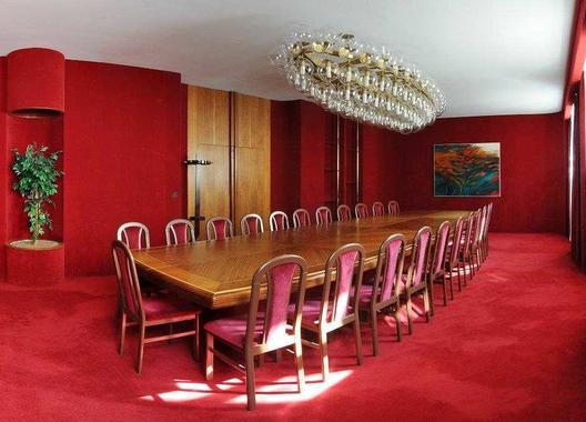 hotel-vz-merin_cerveny-salonek-2