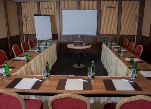 hotel-baltaci-atrium_meeting-room-gama-1
