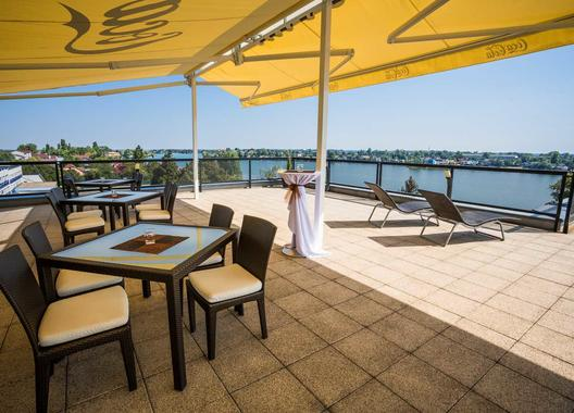hotel-dolphin_vyhliadka-s-terasou-6