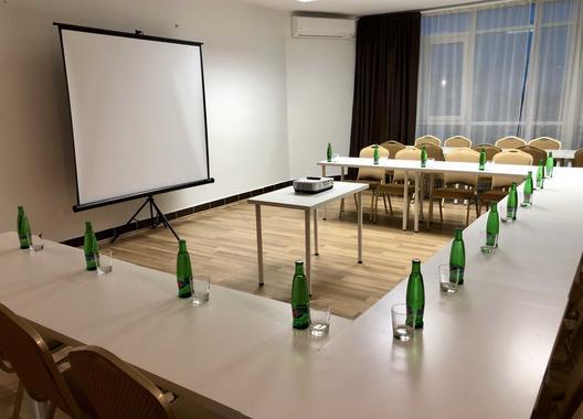 hotel-modena_skolici-mistnost-2