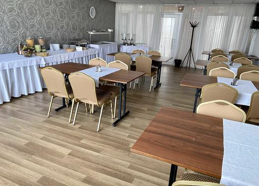 hotel-modena_skolici-mistnost-5