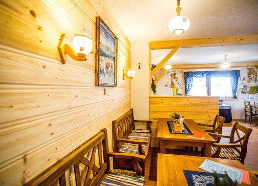 hotel-bystrina_konferencna-miestnost-v-kolibe-bystrina-3