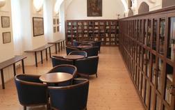 klaster-hejnice-vzdelavaci-konferencni-a-poutni-dum_knihovna-1