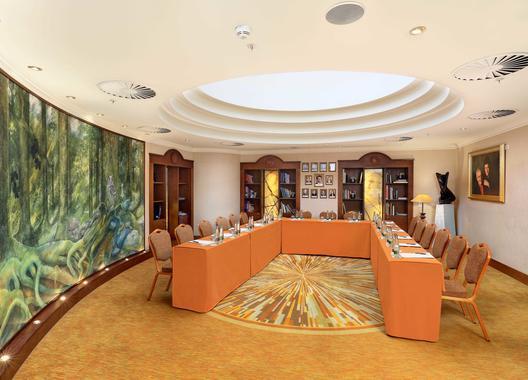 lindner-hotel-prague-castle_library-2