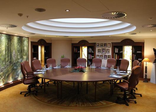 lindner-hotel-prague-castle_library-1