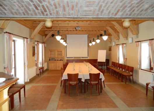 penzion-nad-oborou_konferencni-sal-2