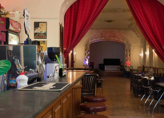 club-hotel-praha_sal-2