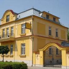 Penzion Tillerova vila - Lázně Bohdaneč
