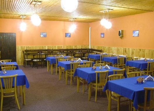 hotel-na-trojce_restaurace-2