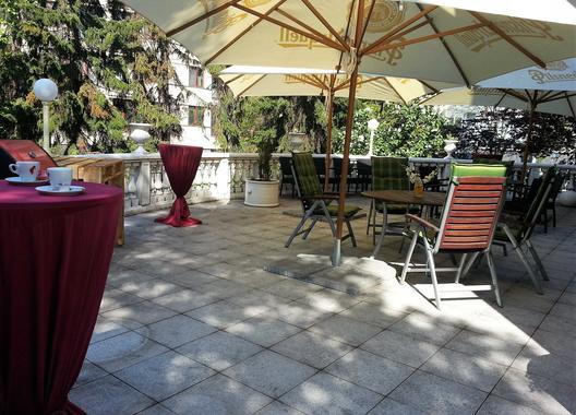 hotel-villa-ostrava-3_salonek-s-terasou-3