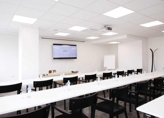 hotel-restart_meeting-room-c-2-manka-1