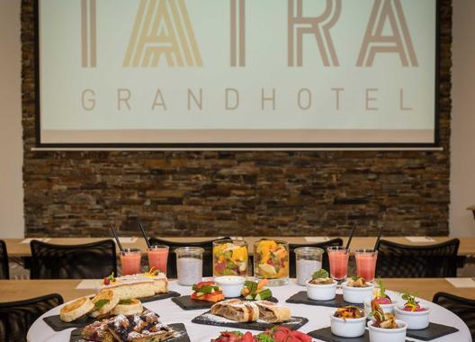 grandhotel-tatra_kongresovy-sal-5
