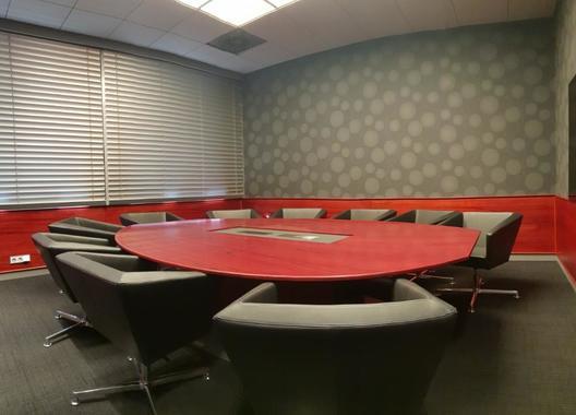 cowork-centrum-petrvald_zasedacka-2