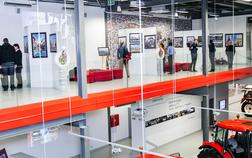 zetor-gallery_expozice-soucasnych-a-historickych-traktoru-1