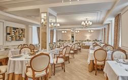 honour-and-grace-hotel_royal-leaf-restaurant-1