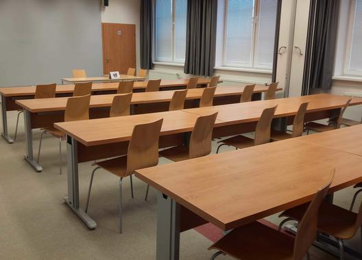 european-institute-of-business-studies-s-r-o_velka-ucebna-2