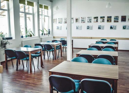 hotel-pod-zvicinou_kolonada-seminarni-prostor-1