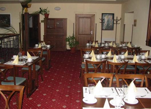 hotel-hejtmansky-dvur_salonky-v-1-patre-5