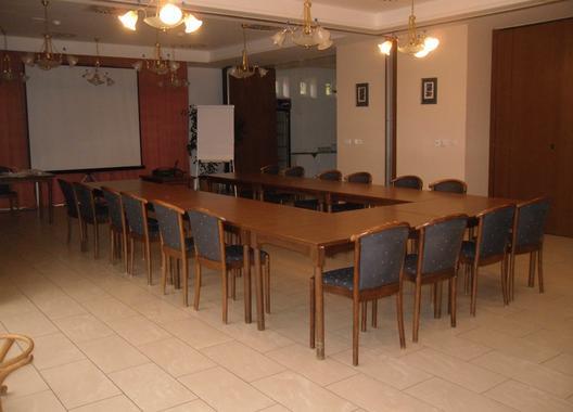 hotel-annahof_konferencni-mistnost-3
