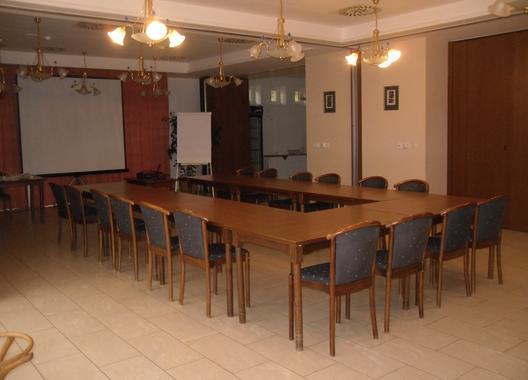 hotel-annahof_konferencni-mistnost-1