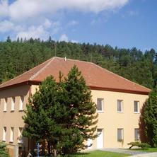 Budova penzionu - pohled z boku