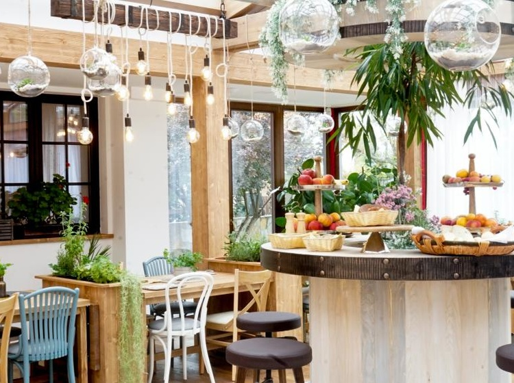 Hotel Mc Limon Restaurace, zimní zahrada, snídaně 2