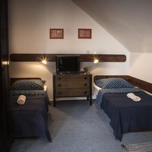 Pokoj č.4 - čtyřlůžkový pokoj v podkroví