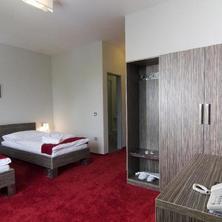 Olympia Hotel Kopřivnice 33386364