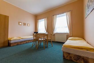 Hotel Koruna Roudnice nad Labem 49695112