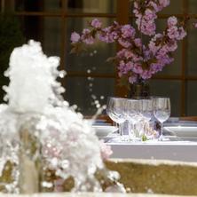 """Wellness hotel REZIDENCE-Nové Hrady-pobyt-""""NOVOHRADSKÉ HORY LÉČÍ"""" tradiční quintet pobyt se speciální stravou, wellness, léčebnými procedurami a nealko nápoji zdarma"""
