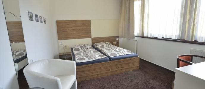 Penzion Best-Moravská Třebová-pobyt-Pohodový pobyt pro 2 osoby s polopenzí a  2 celodenními vstupenkami do aquaparku (2noci)