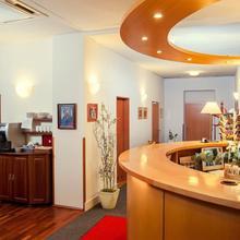 Cloister Inn Hotel Praha 33399802