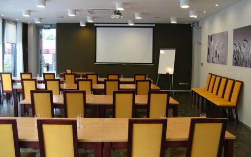 Hotel SENIMO 1157456441