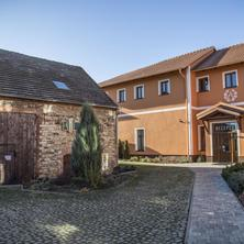Hotel Amálka-Straškov-Vodochody-pobyt-Aktivní dovolená s wellness pod horou Říp