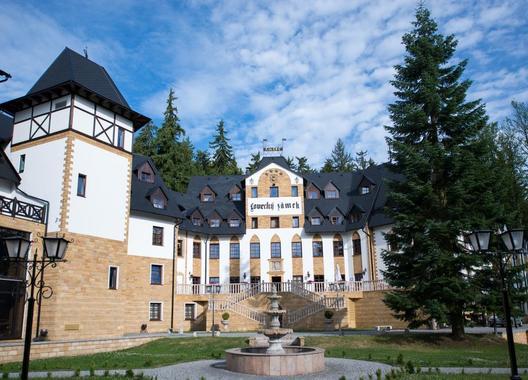 Zámek-Lužec-Spa-&-Wellness-Resort-1