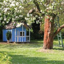 domeček a pískoviště pro děti