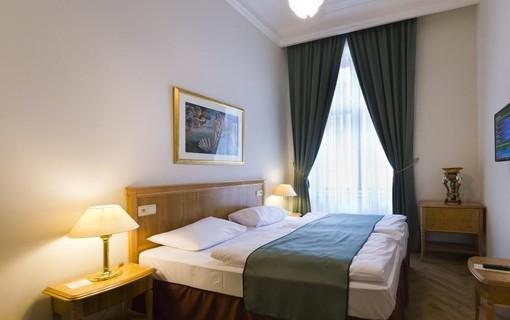 Muzea a historie Karlových Varů-Grandhotel Ambassador Národní dům 1154518739