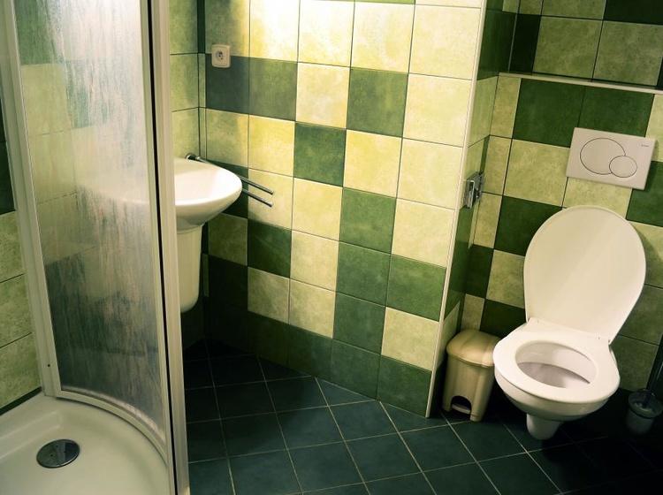 Room 22 Bathroom