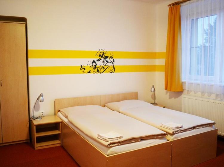 Room 31 Beds