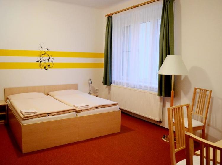Room 23 Beds