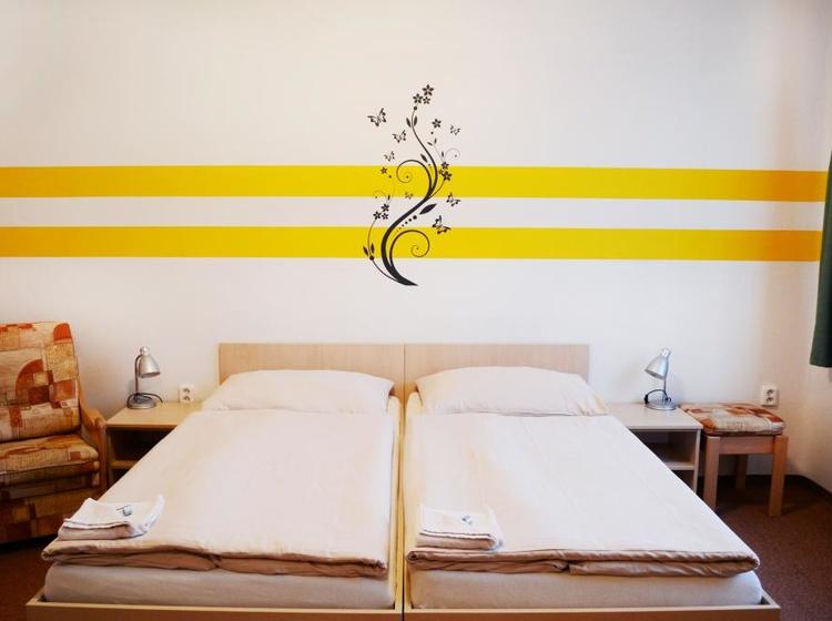 Room 13 Beds