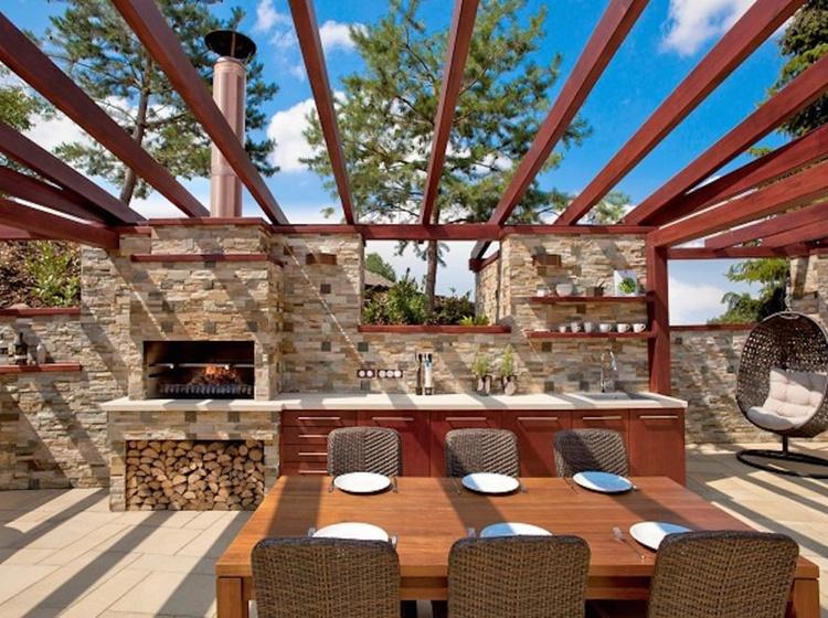Venkovní terasa s grilem